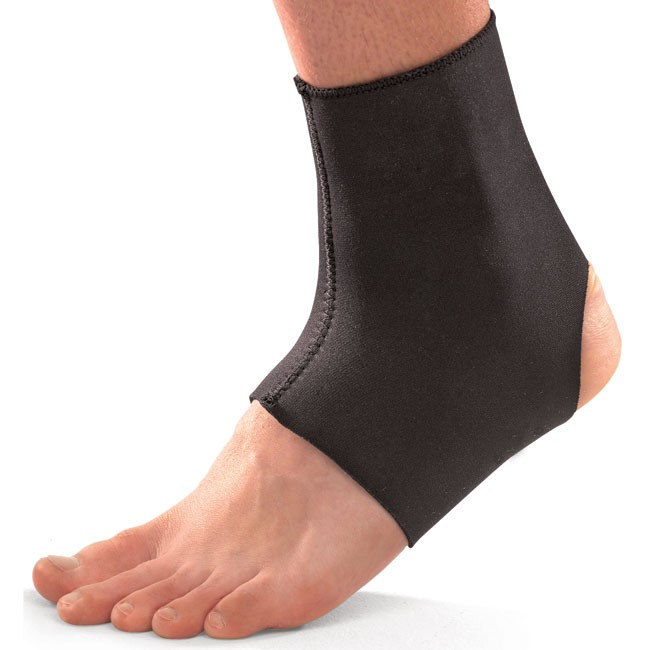 Mueller - Mueller Neoprene Blend Ankle support - Medium